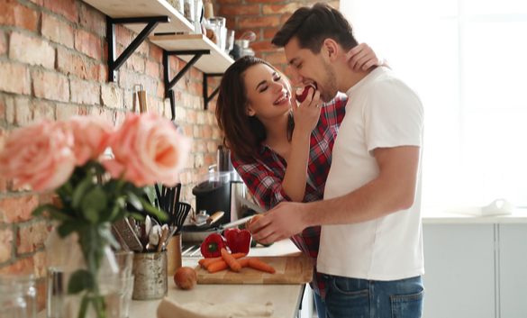 how to tell if a capricorn man likes you